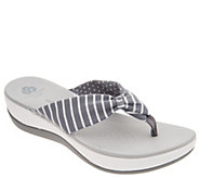 CLOUDSTEPPERS by Clarks Printed Thong Sandals - Arla Gilson - A306396
