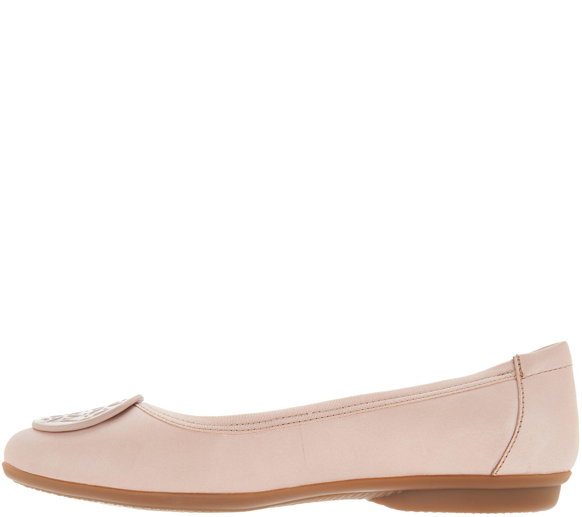 9ecb7b77637 Clarks Leather Medallion Comfort Ballet Flats - Gracelin Lola - Page 1 —  QVC.com