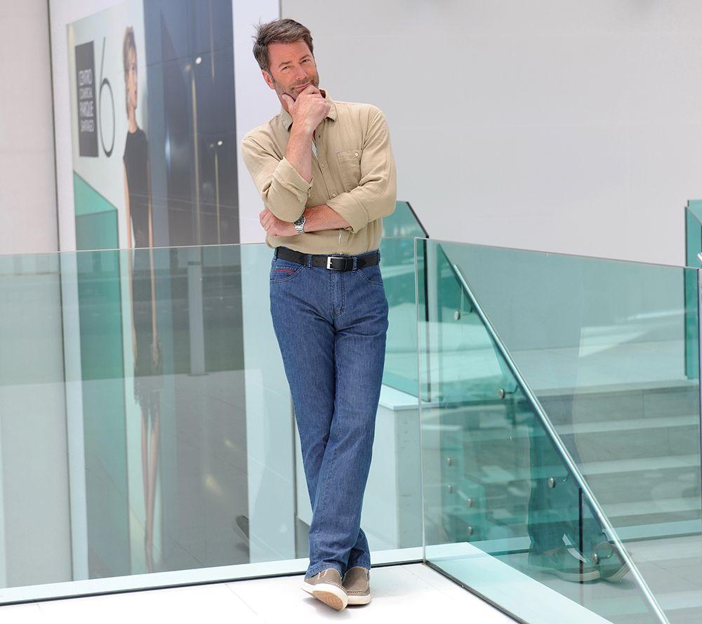 6da1fbfd0212d CLUB OF COMFORT® Herrenjeans Lou ultra leichte Jeans Sicherheitstasche  inklusive Gürtel — QVC.de