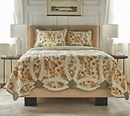 The Quilt Patch 100Cotton Pieced Quilt with Scalloped Edges - H214213
