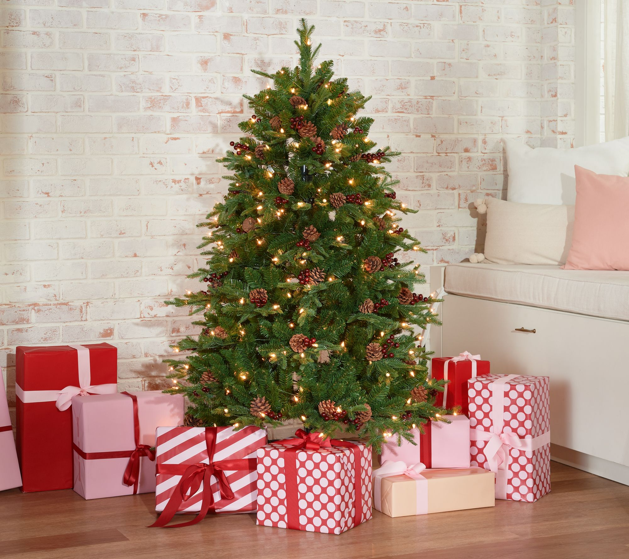 It Christmas.Scott Living 5 Berry And Piencone Christmas Tree Qvc Com