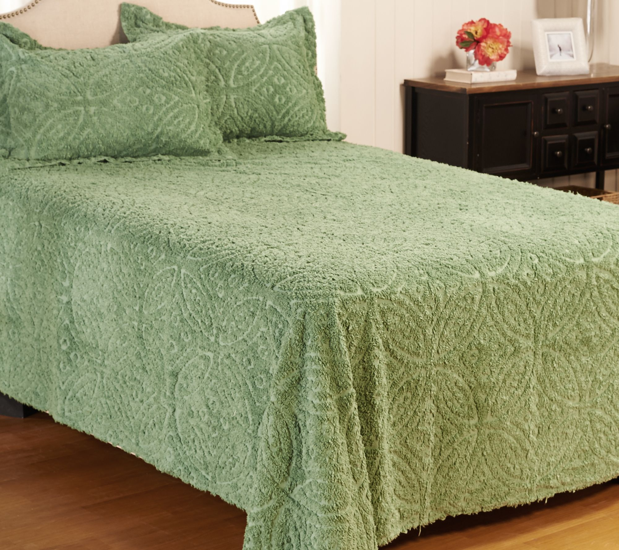 Wedding Ring Chenille 100 Cotton Queen Bedspread With Shams Page 1 Qvc