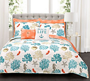Coastal Reef Blue/Coral 7-Piece FL/QN Quilt Setby Lush Decor - H295987