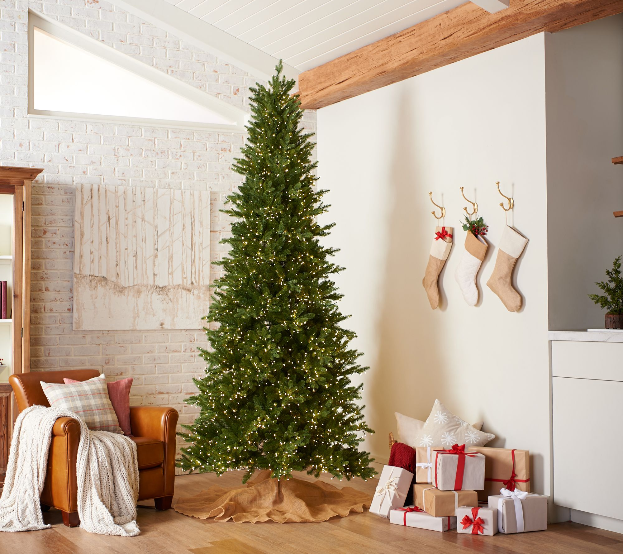 Santas Best Christmas Trees.Santa S Best 9 Wrgb Alberta Spruce Starry Light Christmas Tree Qvc Com