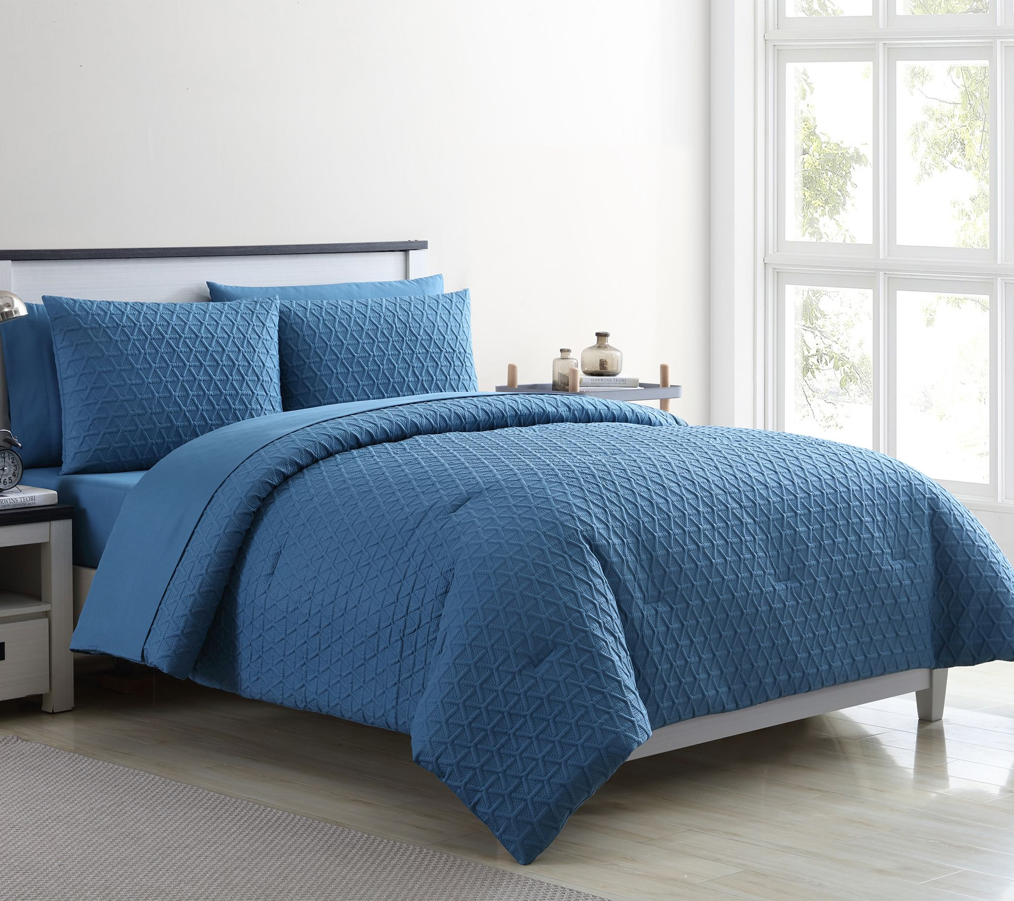 VCNY Home Mykonos 7-Piece King Bed In A Bag Comforter Set — QVC.com