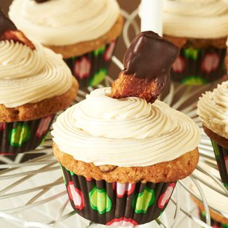 Maple Bacon Cupcakes with Cream Cheese Frosting
