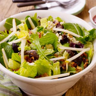 Green Salad with Pears, Gorgonzola, and Cranberry Dressing