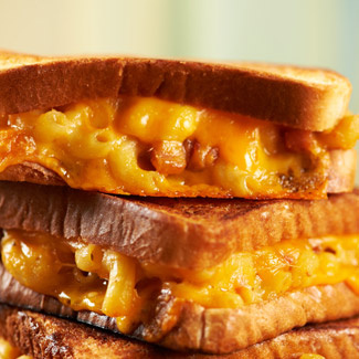 The Ultimate David Sandwich: Mac and Cheese Grilled Cheese