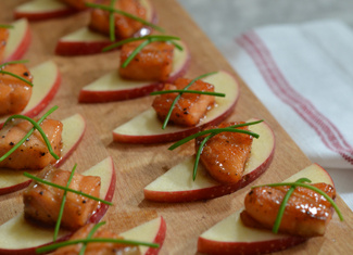 Maple-Glazed Salmon Bites with Apples & Chives