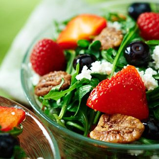 Fresh Berry Salad with Arugula and Goat Cheese