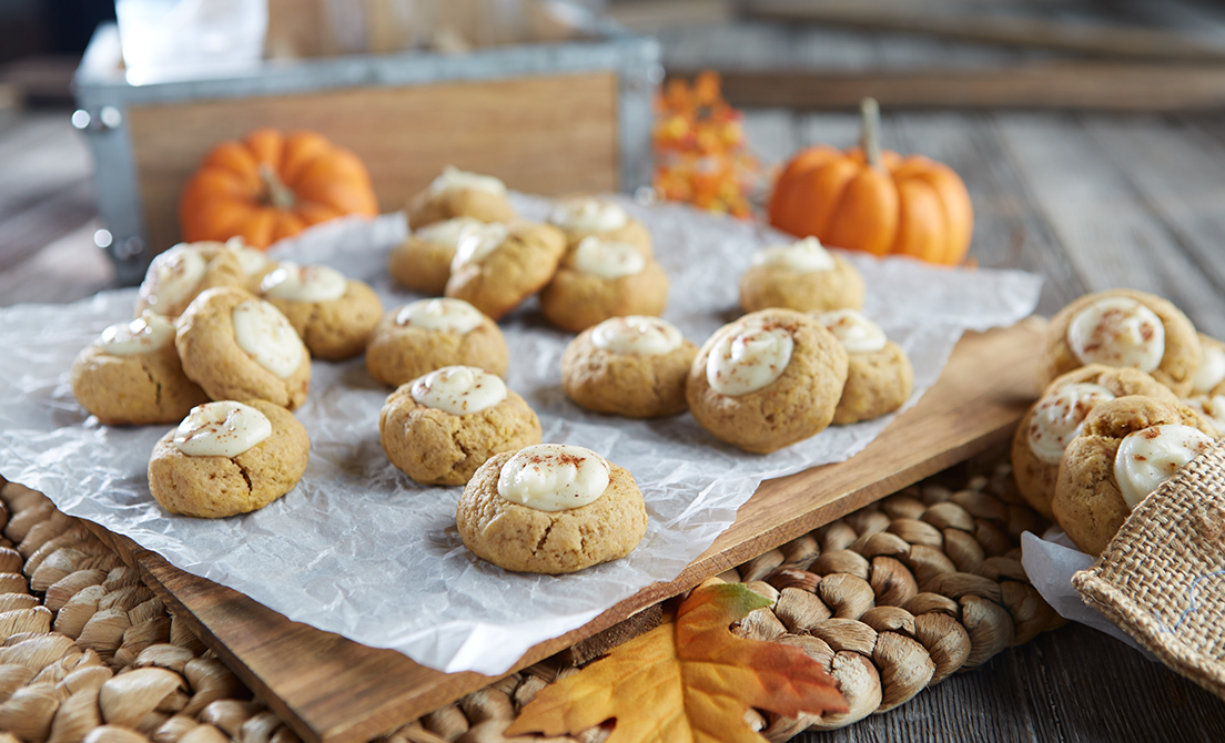 David Venable tempts your taste buds with his  Pumpkin Spice Latte Thumbprint Cookies &  Pumpkin Roll with Spiced Cream Cheese Filling. Whip up the recipes today!