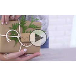 Rustic-Inspired Giftwrapping