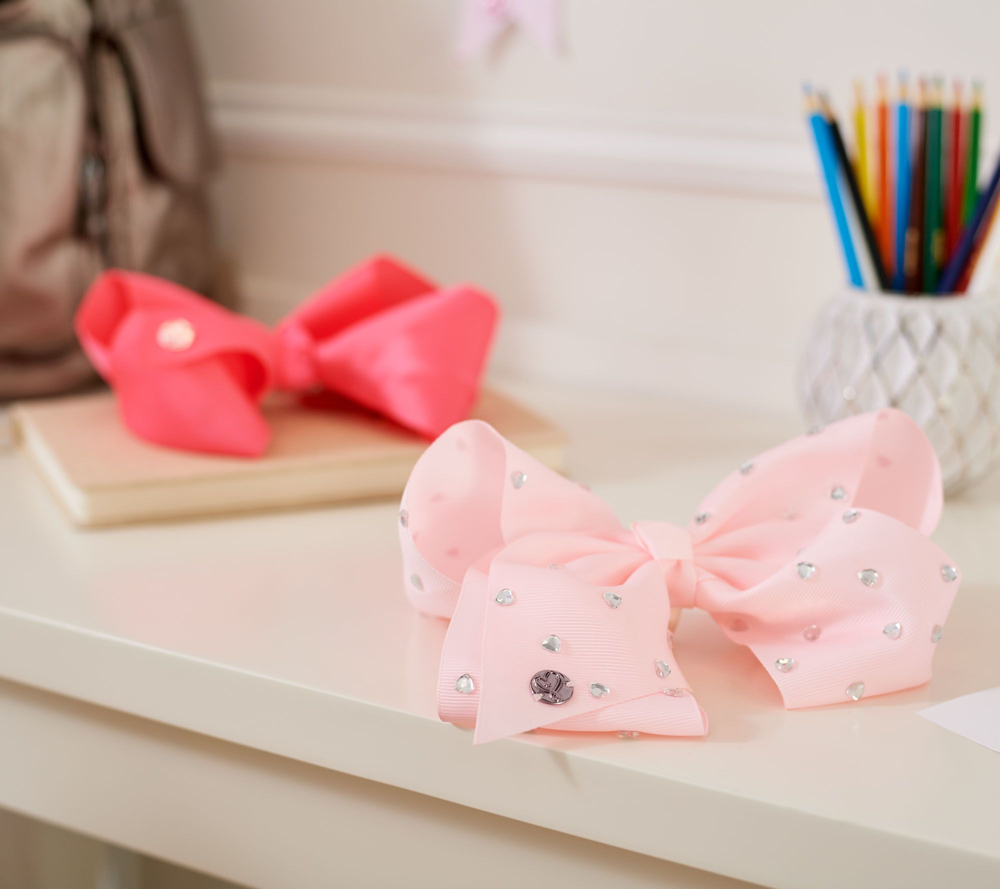 138f44e37fe JoJo Siwa Set of 5 Signature Bows with Hanging Bow Organizer - Page 1 —  QVC.com
