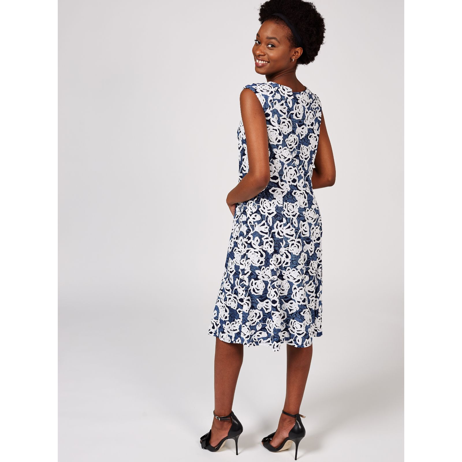 6af52086c1b85e Ronni Nicole Sleeveless Printed Fit   Flare Dress - QVC UK
