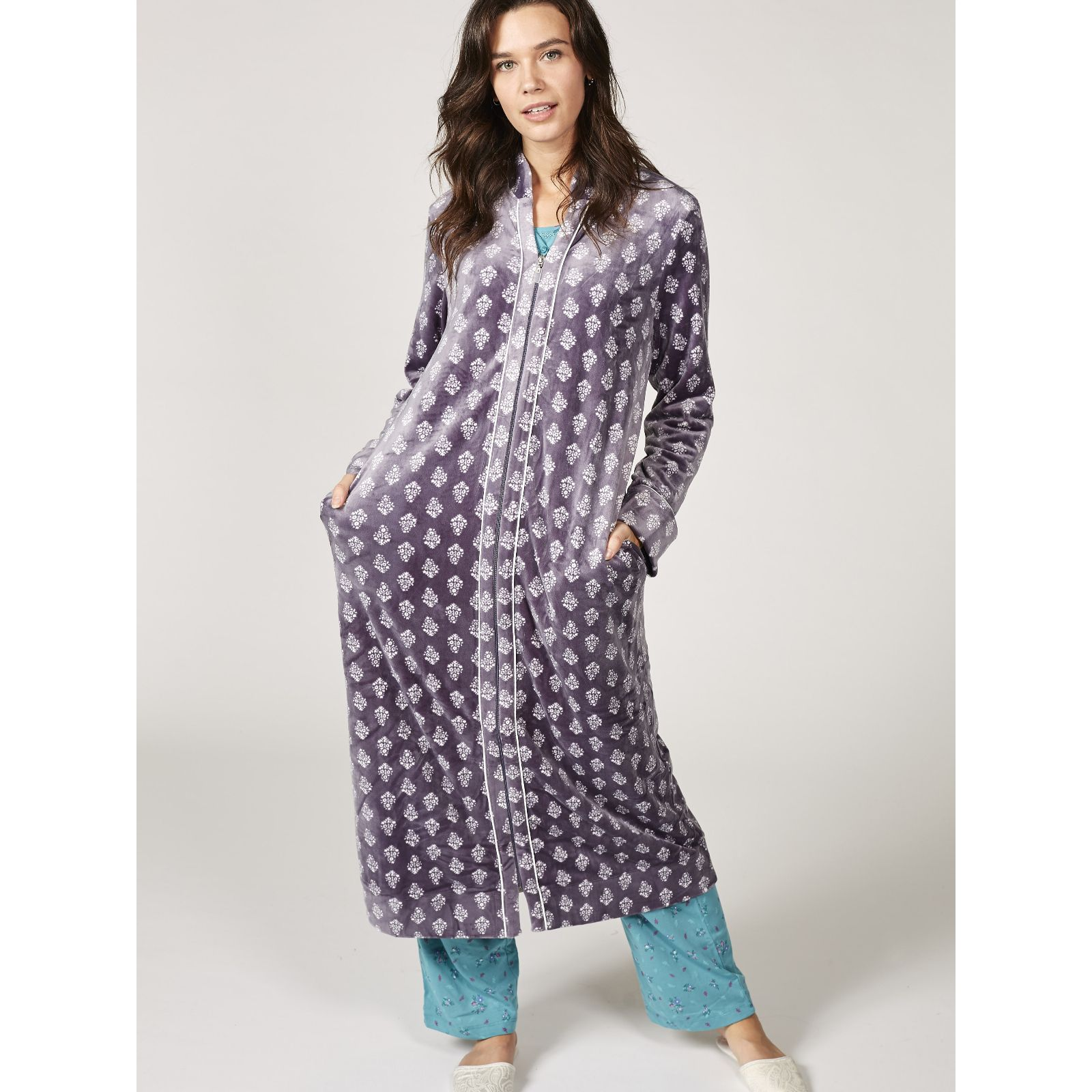 Carole Hochman Stretch Velour Bouquet Foulard Zip Front Robe ... dd176e251