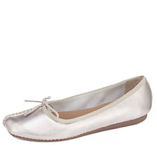 Clarks Freckle Ice Slip On Pump Standard Fit