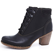 Clarks Carleta Crane Lace Up Front Ankle Boot