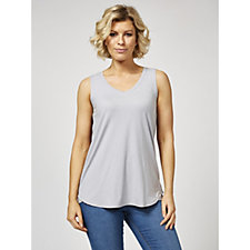 Cuddl Duds Flexwear V-Neck Sleeveless Curved Hem Top