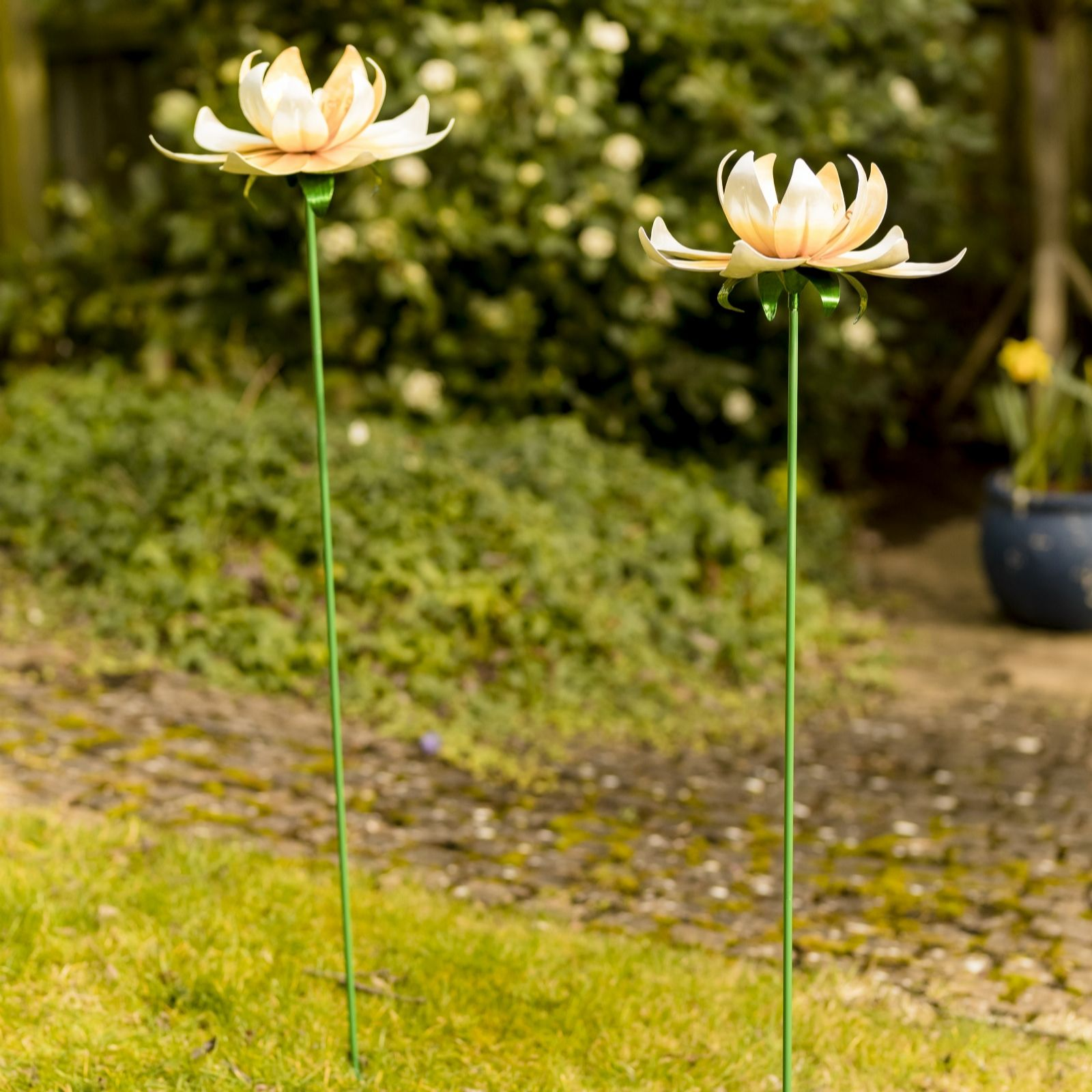 Home2garden Set Of 2 Metal Flower Stakes Qvc Uk