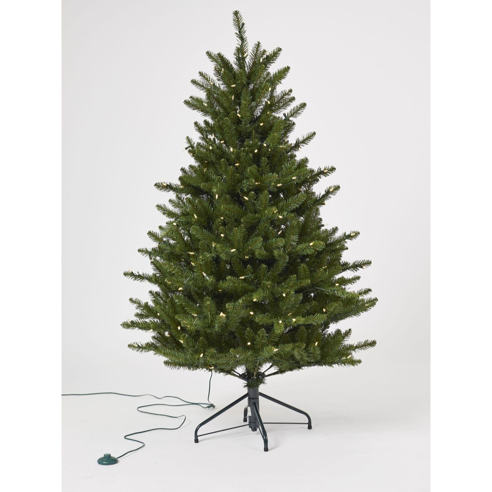 White Fir Christmas Tree: Santa's Best 5ft Fraiser Fir Christmas Tree With 240 Warm