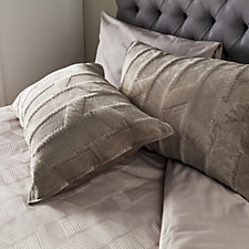 K by Kelly Hoppen Mayfair 2 Piece Velvet Quilted Shams